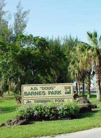 En el Barnes Park existe una piscina climatizada que funciona todo el año