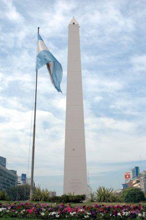 El obelisco un s mbolo que define a buenos aires for Obelisco buenos aires